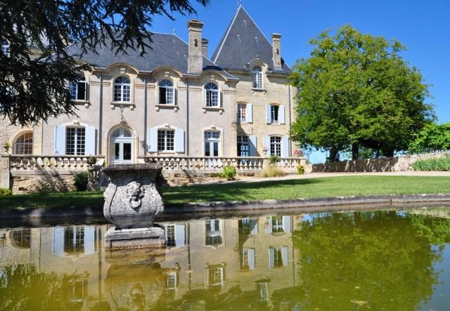 Château l'Enclos in Sainte Foy la Grande has been sold to Chinese billionaire Cheng Qu,