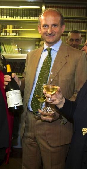 Marchese  Lamberto Frescobaldi proudly shows off Frescobaldi per Gorgona