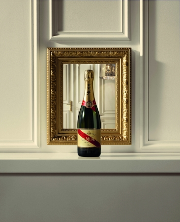 GHMUMM & picture frame
