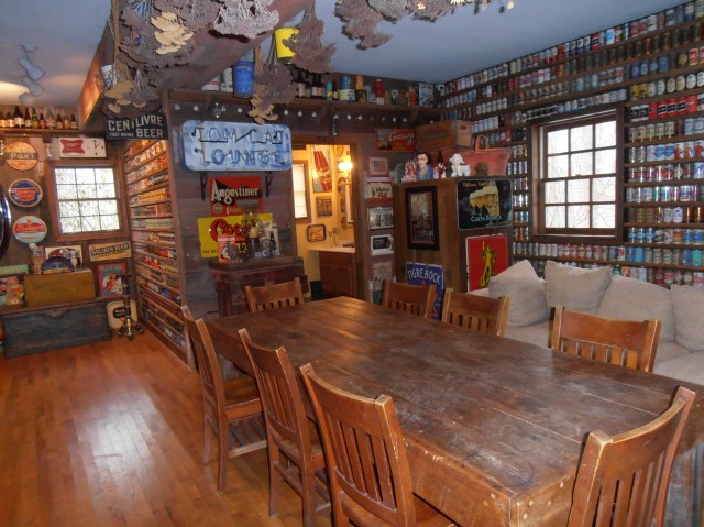 The Brewhouse Mountain Inn's communal room