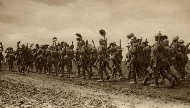 cheering_wiltshires_1918