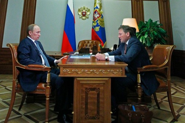 Boris Titov, right, with Russian president Vladimir Putin (Photo: Kremlin Presidential Press and Information Office)