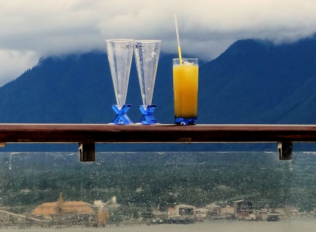 Drinks are served: Brits drink on average 16 cocktails over a two week cruise (Photo: Flickr)