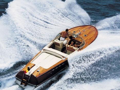 riva_speedboat-468x351