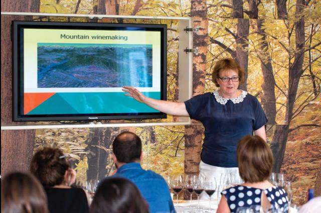Sarah Jane Evans presents a masterclass on Somontano