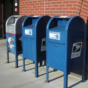 If passed, the law could see alcohol deliveries being made by the USPS for the first time since 1909 (Photo: Wiki)