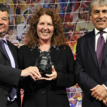 Jane Peyton receiving her Beer Sommelier of the Year award in May (Photo: BII)