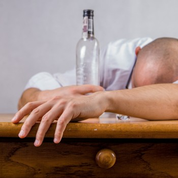 Of all the economic drains caused by excessive drinking, low productivity caused by hangovers is the biggest, the study found (Photo: Pixabay)