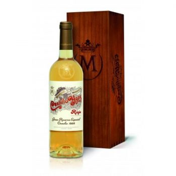 Castillo Ygay white also retains the same label design from