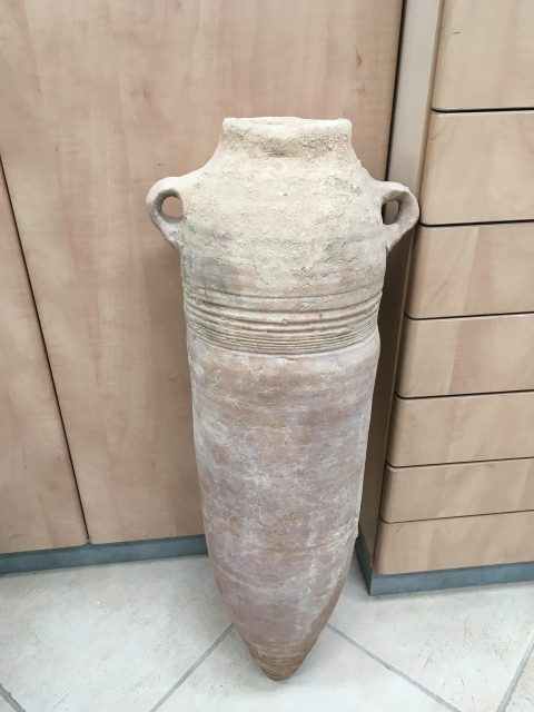 Ancient wine jar 'factory' found in Israel
