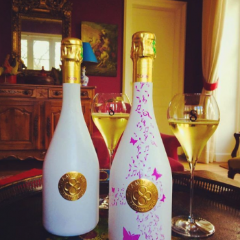 Champagne bottle that changes colour when chilled launches