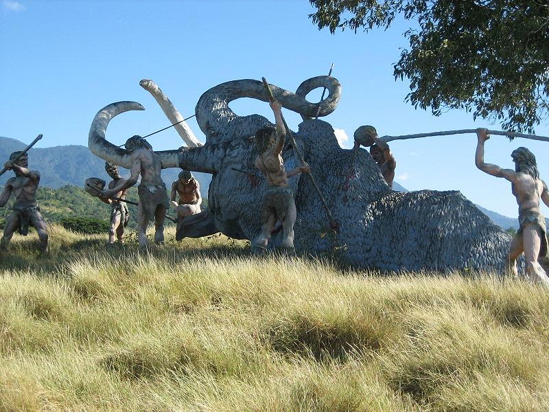 800px-Cuba_-_Parque_Baconao_-_prehistoric_scene