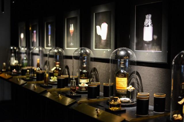 world s first perfume inspired cocktail bar. Black Bedroom Furniture Sets. Home Design Ideas