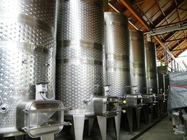 Wine-making_equipement_at_Hanzell_Vineyards_B