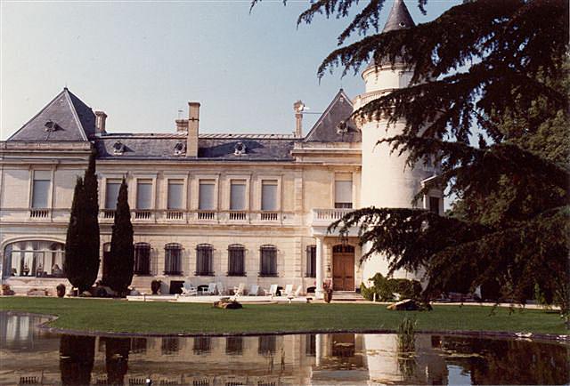 Chateau de la Tuilerie, Les Grands Chais de France