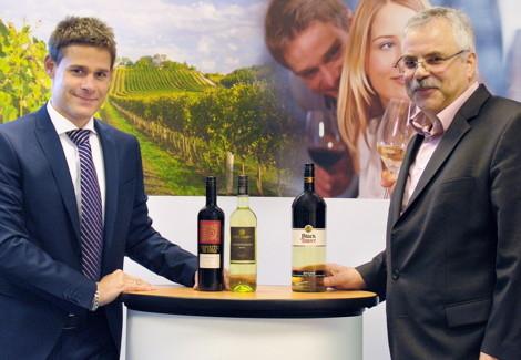 Nikolaus Schritz (right) with his successor Alex Rittlinger
