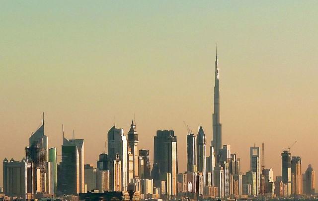 Dubai_skyline_2010