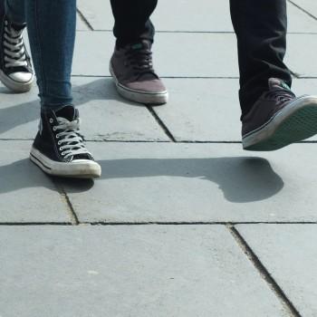walking-454543_1280