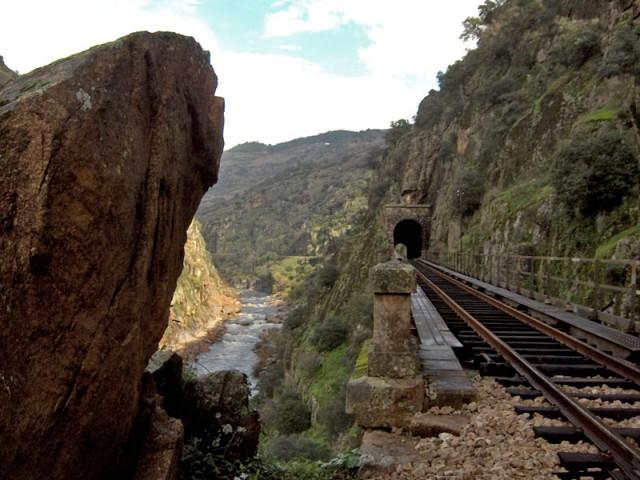 Tua railway line