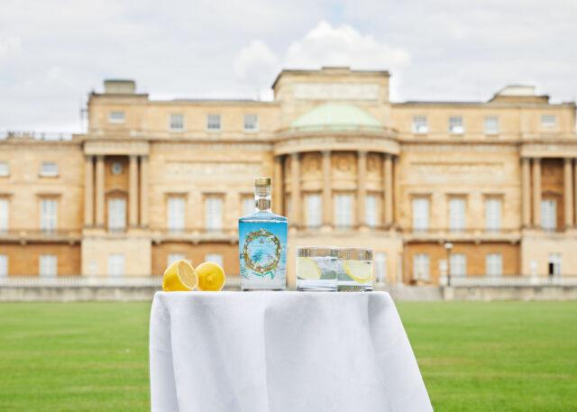 Buckingham Palace starts selling its own gin